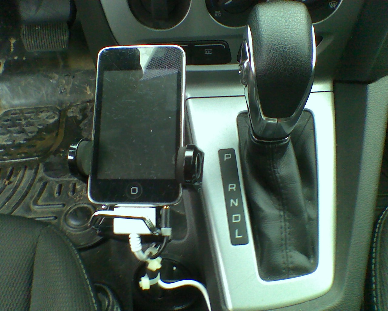 Cell phone mounts.. let's see what you got?!-0706131410a.jpg