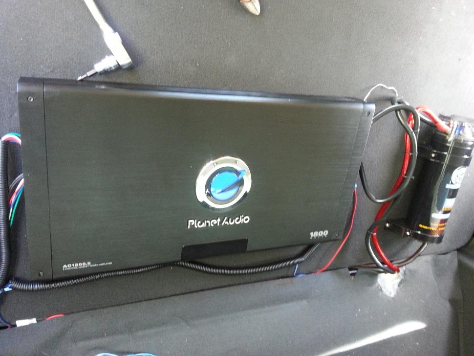Stock my sync radio with amp-20130707_125451.jpg