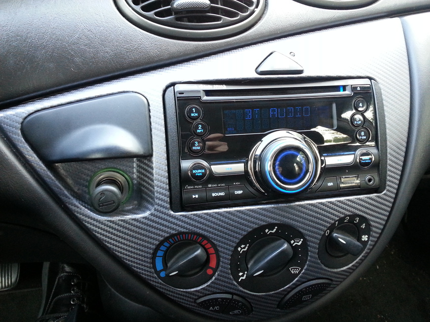 Official Head Unit(Deck) Gallery-20140416-focus-stereo-install-01.jpg