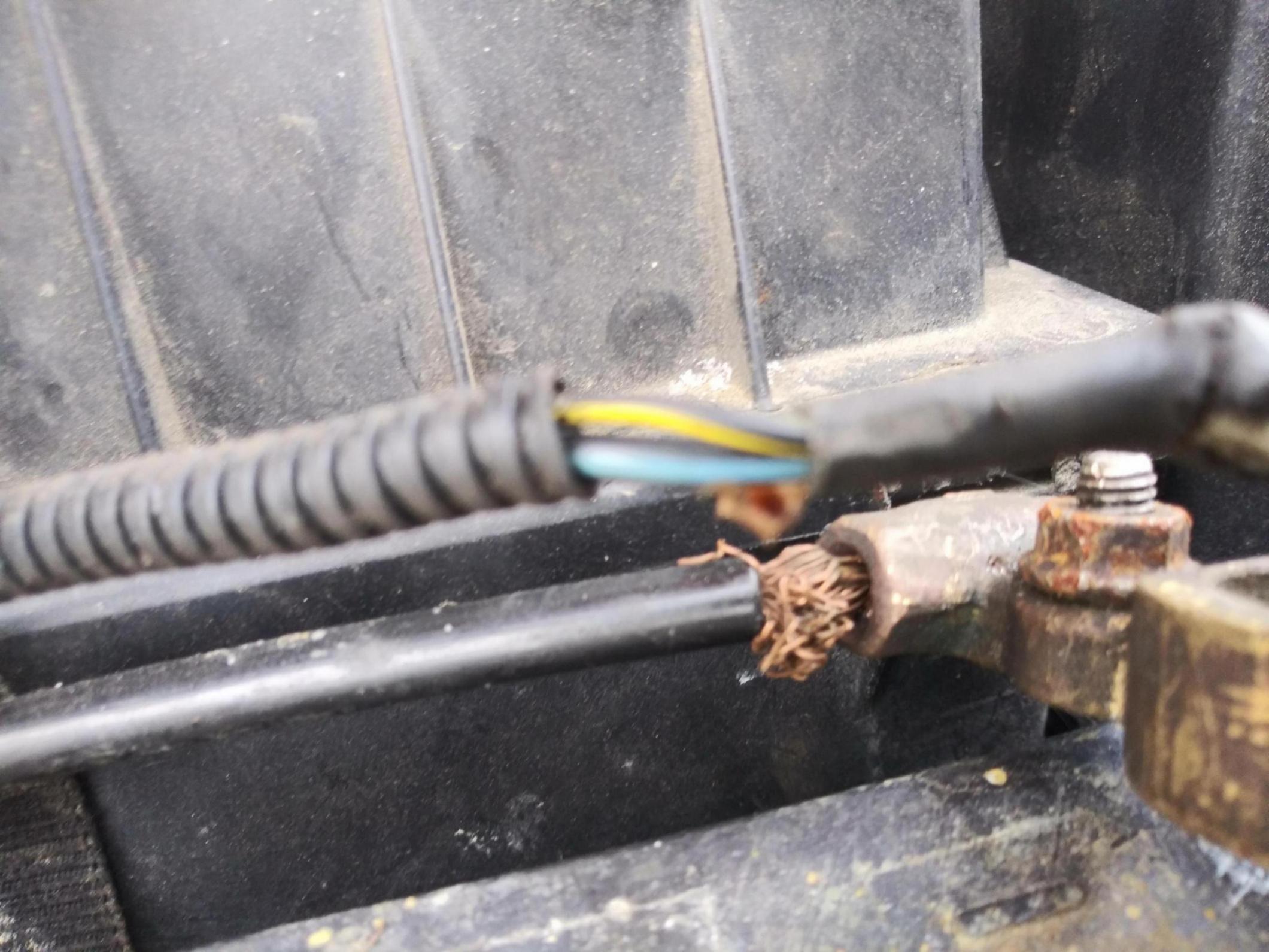 2002 bad ground fuel pump-20190305_163138_1551910317264.jpg