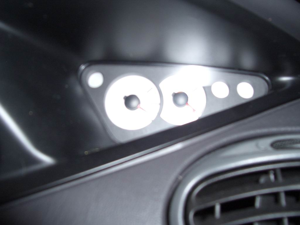 installed speedhut svt gauges-aux-cluster.jpg