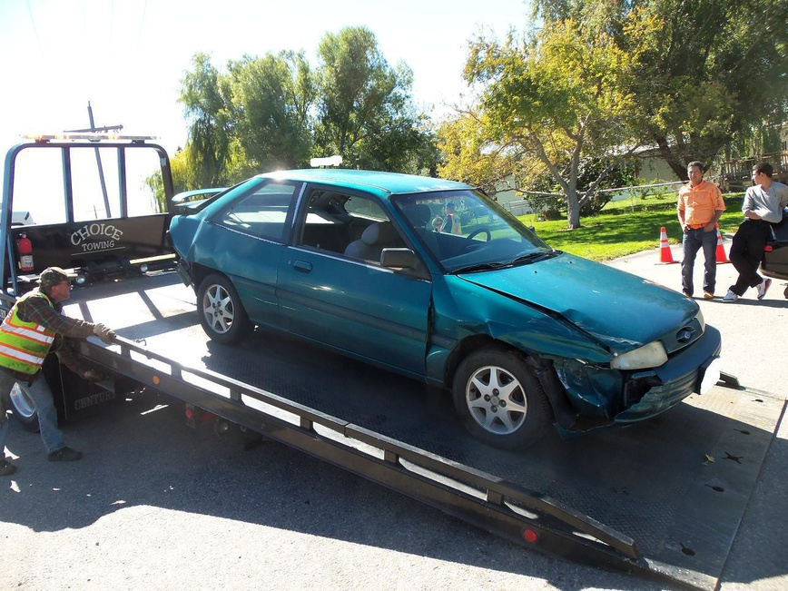 My New Project Car For The Wife-escort-accident-30%25.jpg