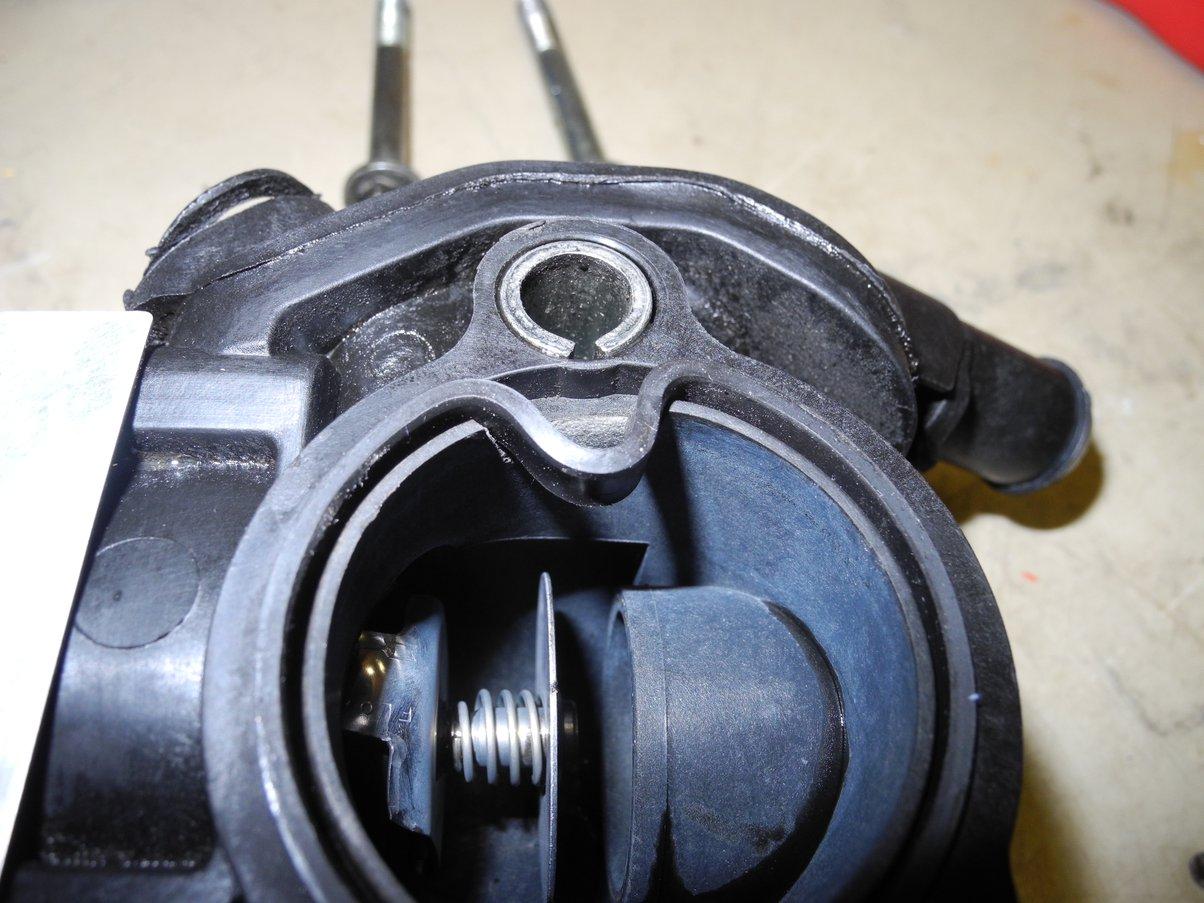 Focus leaking thermostat housing repair gasket1 jpg