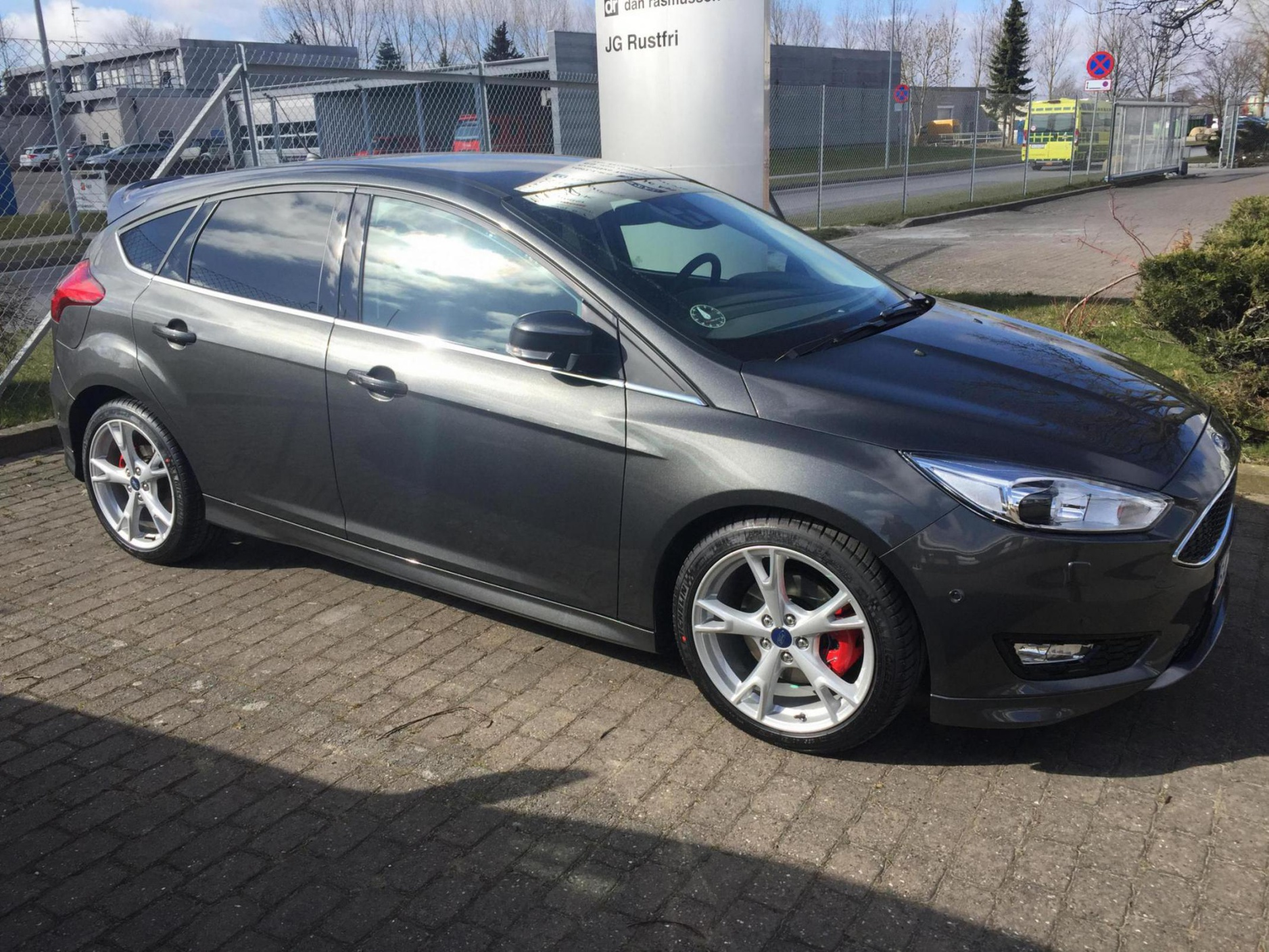 Weight On Factory 18 5x2 Alloys Ford Focus Forum Ford Focus St