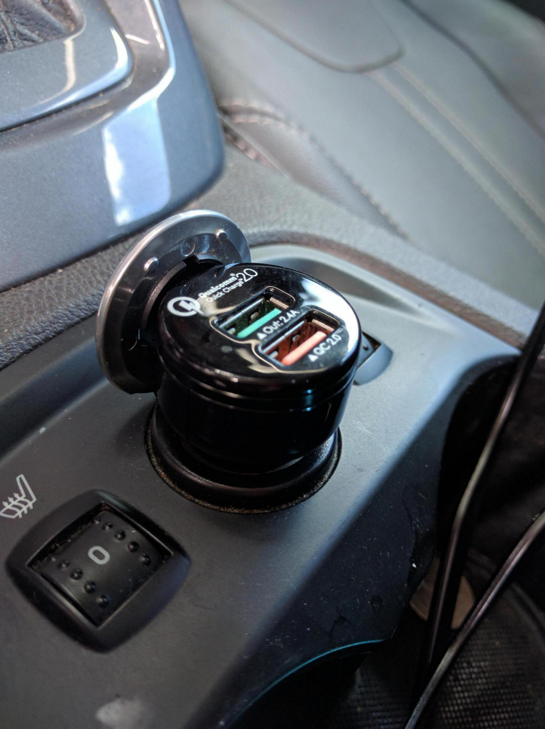 Center console 12 volt removal-img_20160812_132200_1471022746338.jpg