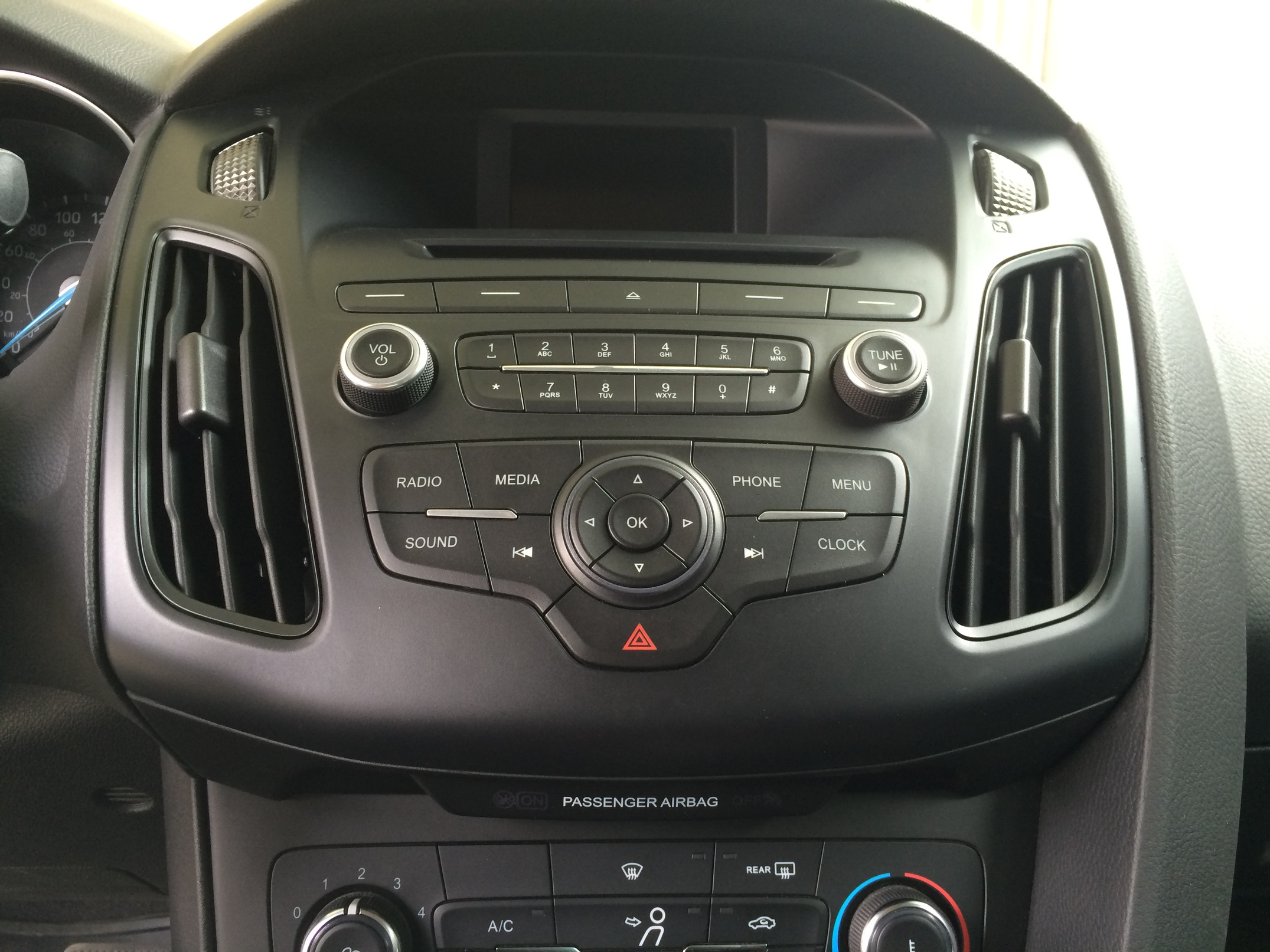 NEED HELP - How to remove stereo dash focus 2015-img_2497.jpg