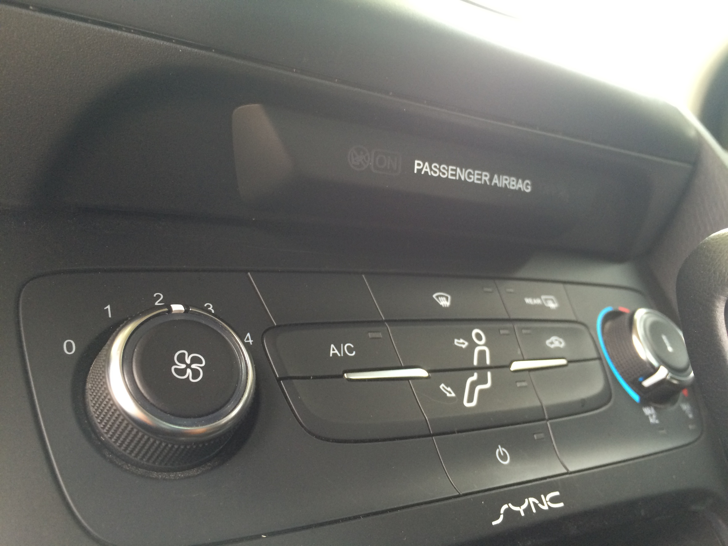 NEED HELP - How to remove stereo dash focus 2015-img_2498.jpg