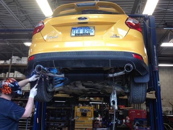 2012 Focus Sedan dual exhaust-img_2886.jpg