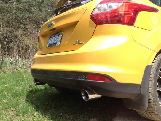 2012 Focus Sedan dual exhaust-img_2889.jpg