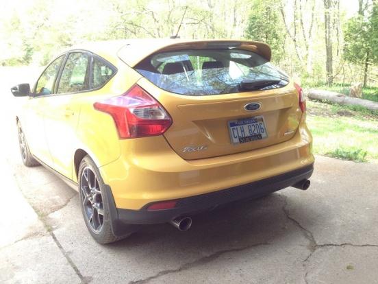 2012 Focus Sedan dual exhaust-img_2891.jpg