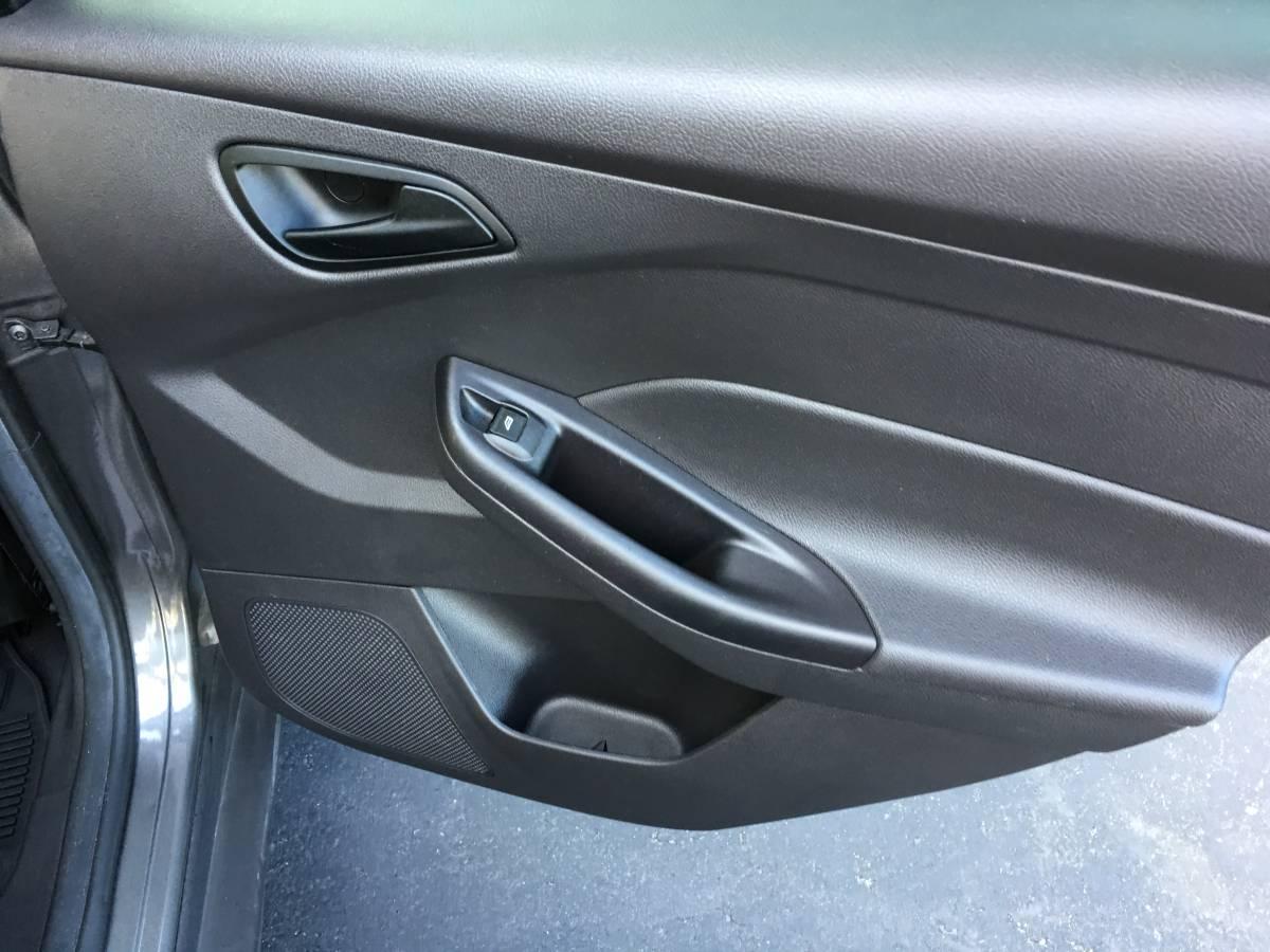 For Sale: 2012 Ford Focus SE 5 Speed-img_2926.jpg