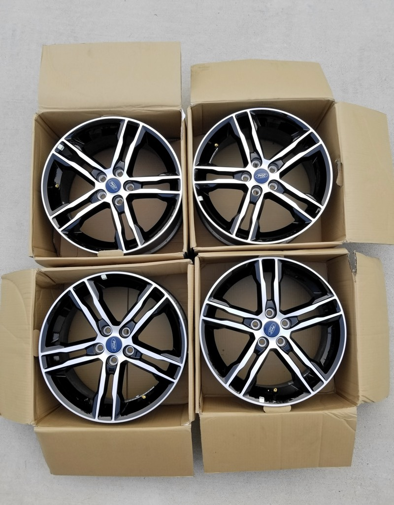 Complete set of 4 OEM 2016 Focus ST ST3 Wheels (Rims) 18x8 Like New! Gloss Black Polished face-wheels-0.jpg