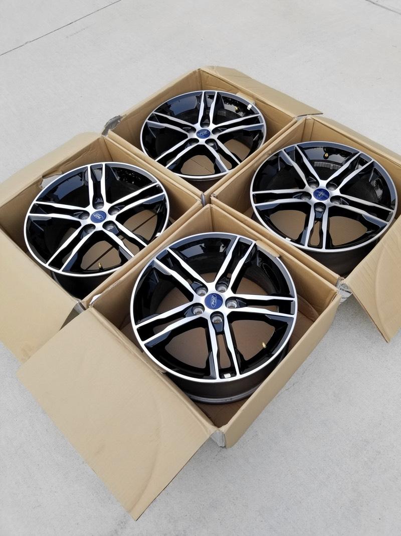 Complete set of 4 OEM 2016 Focus ST ST3 Wheels (Rims) 18x8 Like New! Gloss Black Polished face-wheels-1.jpg