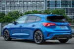 2019-Ford-Focus-ST-Line-Hatchback-Blue-Press-Image-RB-1200x800p-3.jpg