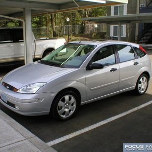 2002 Ford Focus ZX5 Powered by Santy