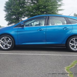 2014 Ford Focus Titanium Hatchback, Blue Candy Metallic Tint