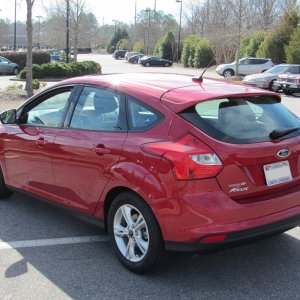 2012 Ford Focus SE Sport 5 Door 1 of 4