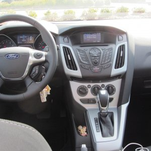 2012 Ford Focus SE Sport 5 Door 2 of 4