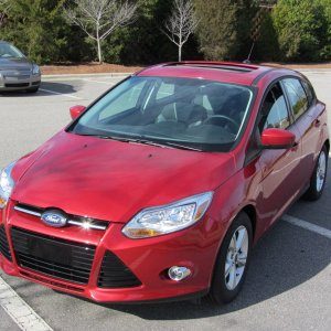 2012 Ford Focus SE Sport 5 Door 3 of 4
