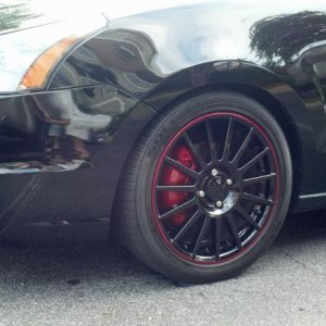 Custom Painted Front Rim Finish & Painted Calipers Red